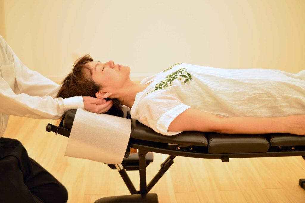 頸椎の施術|東海通